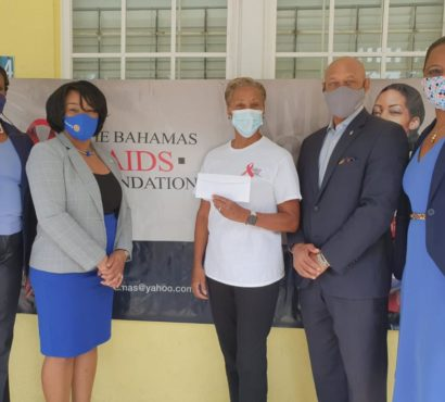 Rotary Club of South-East Nassau donates to The Bahamas AIDS Foundation